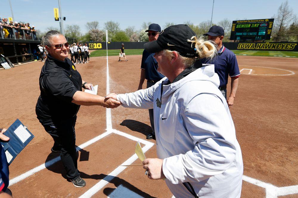 Iowa Hawkeyes head coach Marla Looper