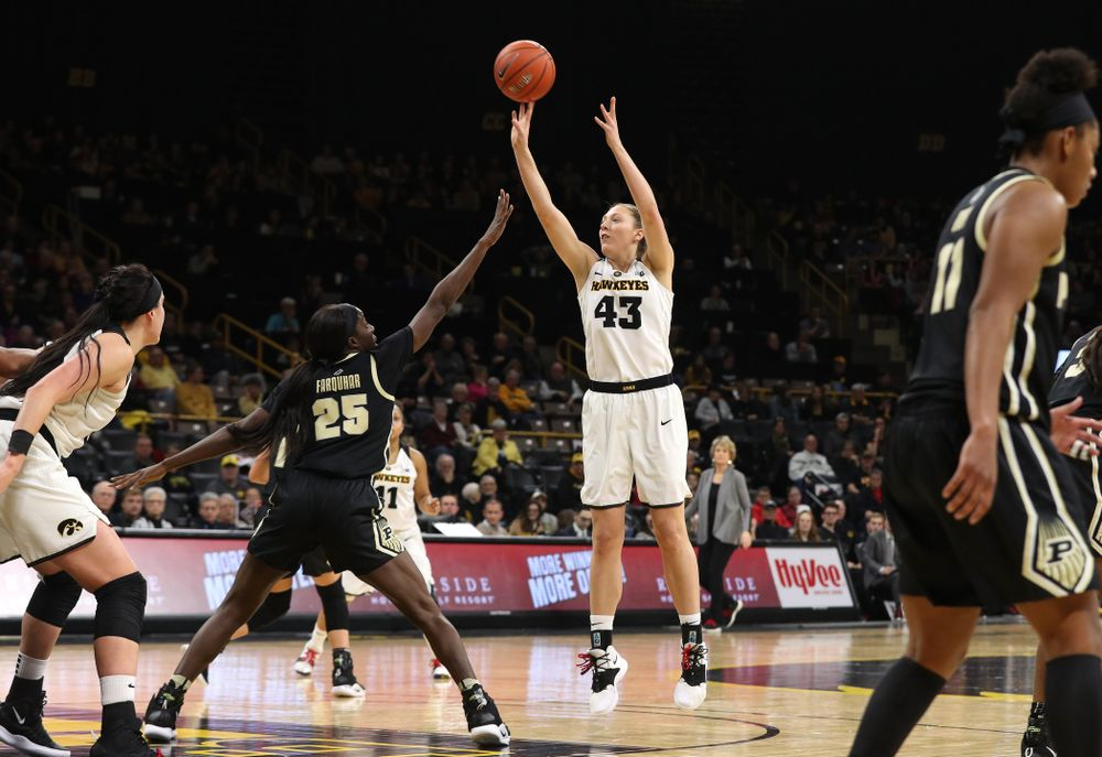 Iowa Hawkeyes forward Amanda Ollinger (43) pulls up for a shot against the Purdue Boilermakers Sunday, January 27, 2019 at Carver-Hawkeye Arena. (Brian Ray/hawkeyesports.com)