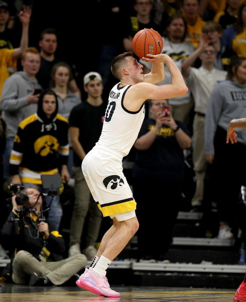 Iowa Hawkeyes guard Joe Wieskamp (10) against the Ohio State Buckeyes Thursday, February 20, 2020 at Carver-Hawkeye Arena. (Brian Ray/hawkeyesports.com)