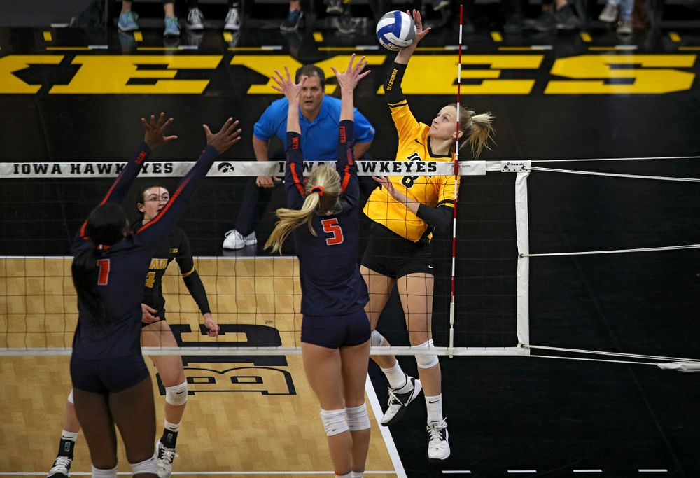 Iowa's Kyndra Hansen (8) lines up a shot during the first set of their match against Illinois at Carver-Hawkeye Arena in Iowa City on Wednesday, Nov 6, 2019. (Stephen Mally/hawkeyesports.com)