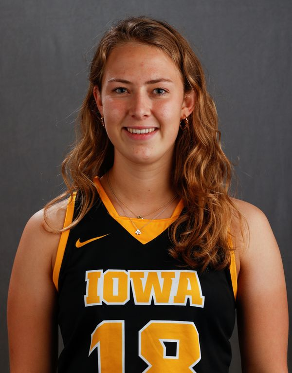 Lieve Schalk - Field Hockey - University of Iowa Athletics