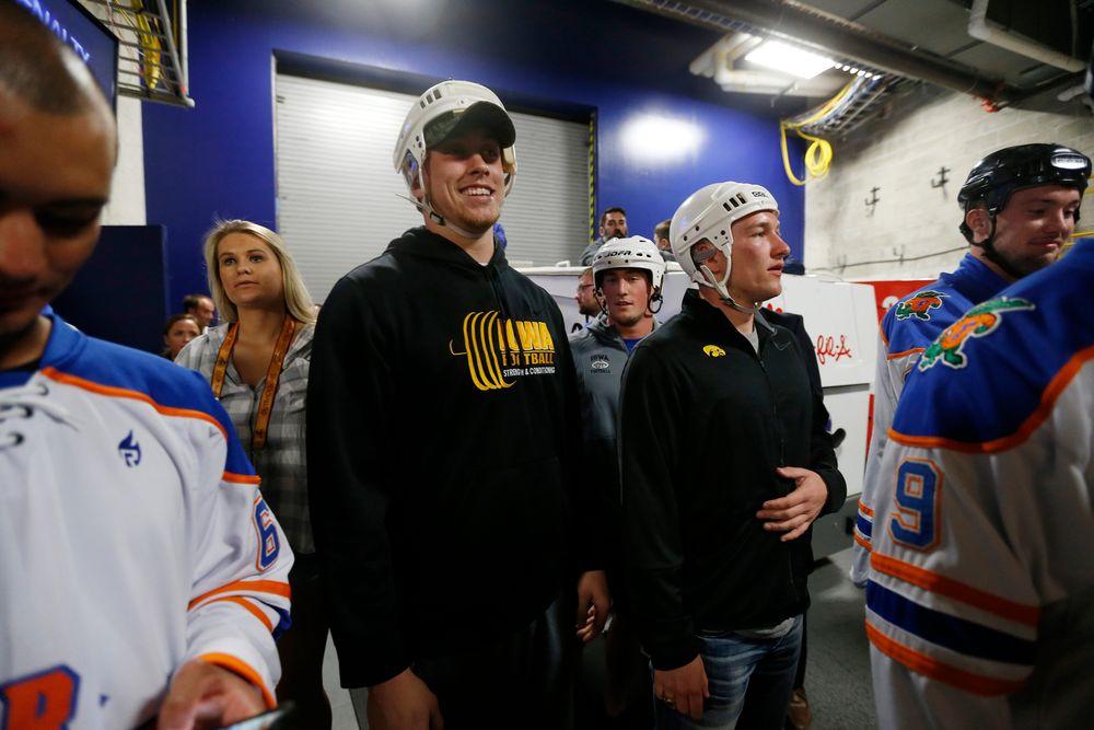 Ron Coluzzi (16), George Kittle (46)