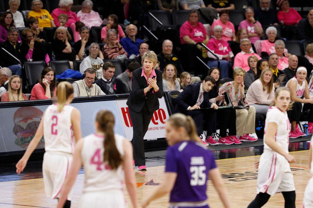 head coach Lisa Bluder