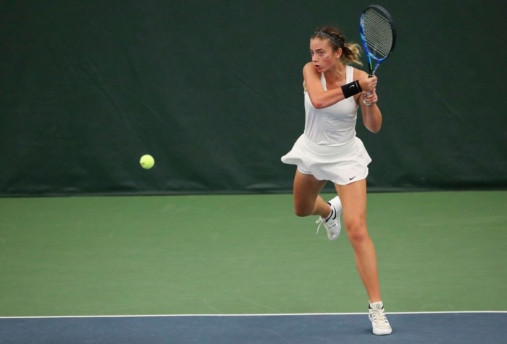 Sophie Clark returns a shot in a singles match during the second day of the ITA Central Regional Championships at the Hawkeye Tennis and Recreation Complex on October 13, 2018. (Tork Mason/hawkeyesports.com)