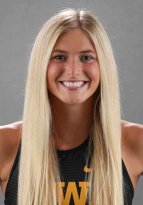 Aly Weum - Women's Cross Country - University of Iowa Athletics