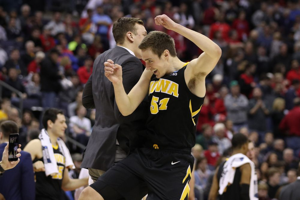 Iowa Hawkeyes forward Nicholas Baer (51) against the Cincinnati Bearcats in the first round of the 2019 NCAA Men's Basketball Tournament Friday, March 22, 2019 at Nationwide Arena in Columbus, Ohio. (Brian Ray/hawkeyesports.com)