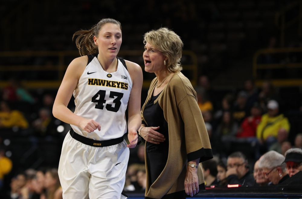 Iowa Hawkeyes forward Amanda Ollinger (43) and head coach Lisa Bluder against the Michigan Wolverines Thursday, January 17, 2019 at Carver-Hawkeye Arena. (Brian Ray/hawkeyesports.com)