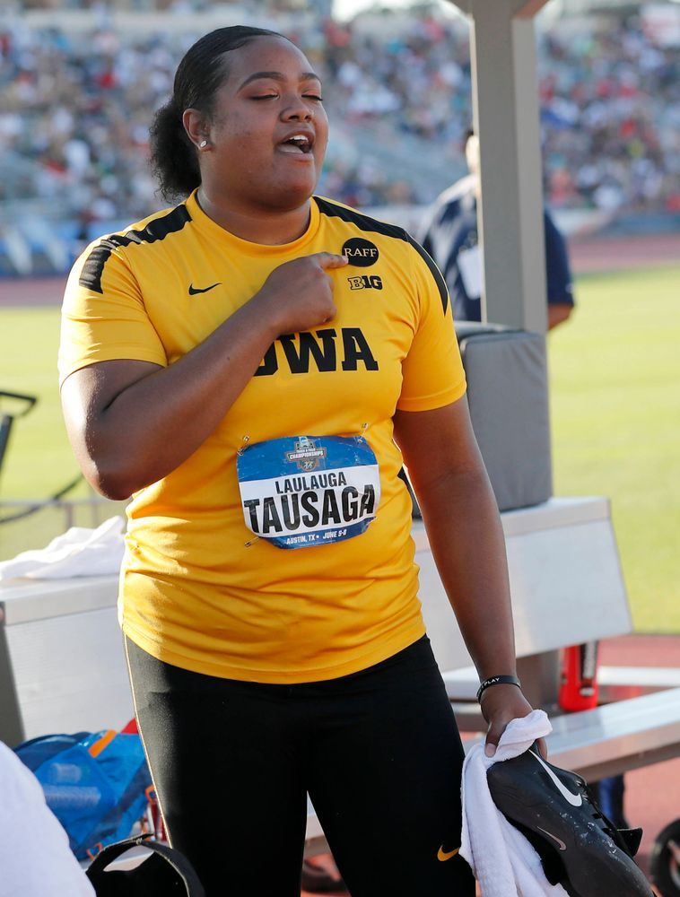 National champion Laulauga Tausaga remembers coach Raff