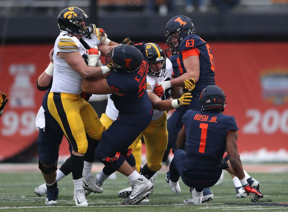 Iowa Hawkeyes defensive end Anthony Nelson (98) and defensive end Parker Hesse (40) against the Illinois Fighting Illini Saturday, November 17, 2018 at Memorial Stadium in Champaign, Ill. (Brian Ray/hawkeyesports.com)