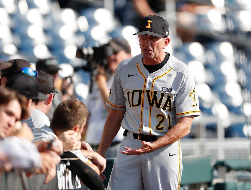 Iowa Hawkeyes head coach Rick Heller against the Michigan Wolverines in the first round of the Big Ten Baseball Tournament  Wednesday, May 23, 2018 at TD Ameritrade Park in Omaha, Neb. (Brian Ray/hawkeyesports.com)