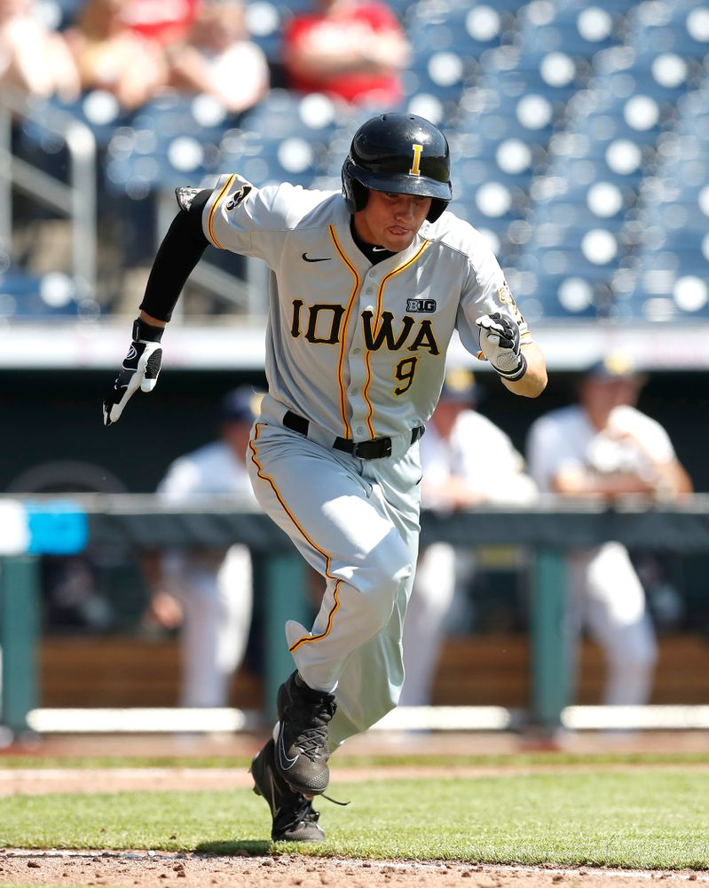 Iowa Hawkeyes outfielder Ben Norman (9) against the Michigan Wolverines in the first round of the Big Ten Baseball Tournament  Wednesday, May 23, 2018 at TD Ameritrade Park in Omaha, Neb. (Brian Ray/hawkeyesports.com)