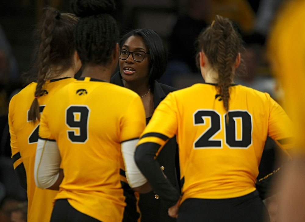 Iowa head coach Vicki Brown talks with her players during a timeout in the first set of their match at Carver-Hawkeye Arena in Iowa City on Friday, Nov 29, 2019. (Stephen Mally/hawkeyesports.com)