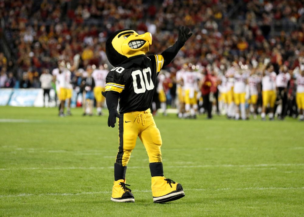 Herky The Hawk waves to the Stead Family ChildrenÕs Hospital at the end of the first quarter against USC in the Holiday Bowl Friday, December 27, 2019 at San Diego Community Credit Union Stadium.  (Brian Ray/hawkeyesports.com)