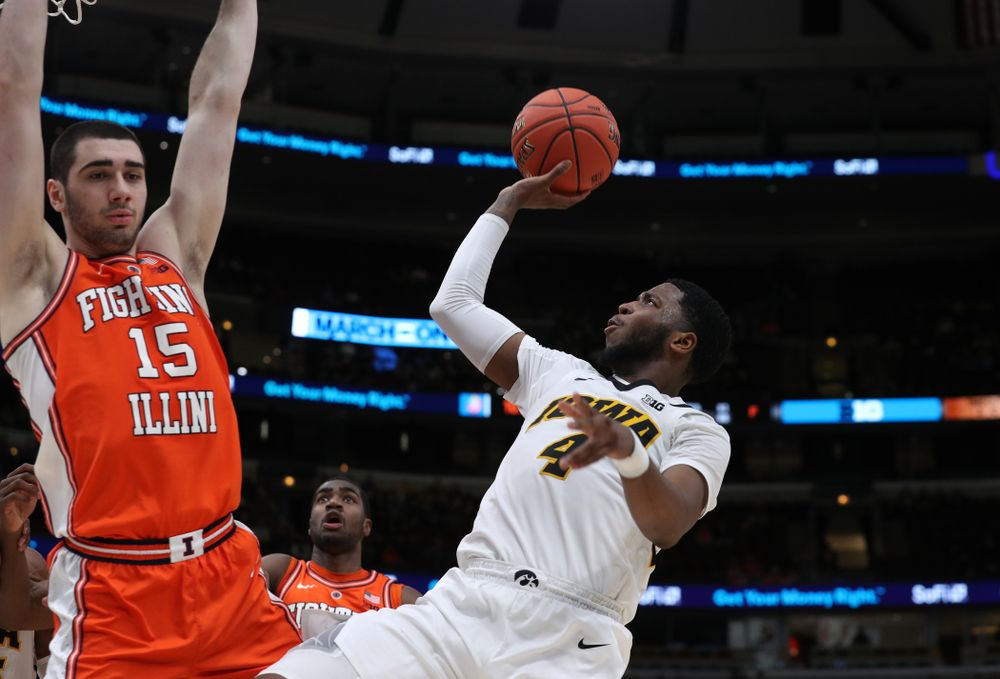 Iowa Hawkeyes guard Isaiah Moss (4) against the Illinois Fighting Illini in the 2019 Big Ten Men's Basketball Tournament Thursday, March 14, 2019 at the United Center in Chicago. (Brian Ray/hawkeyesports.com)