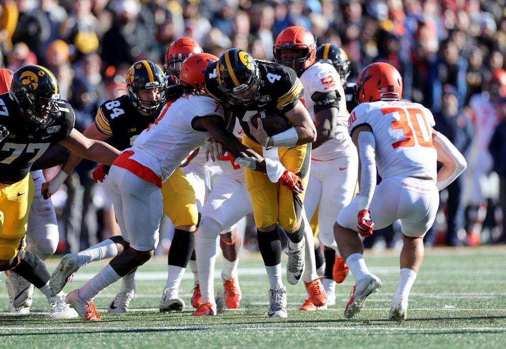 Iowa Hawkeyes quarterback Nate Stanley (4) against the Illinois Fighting Illini Saturday, November 23, 2019 at Kinnick Stadium. (Brian Ray/hawkeyesports.com)