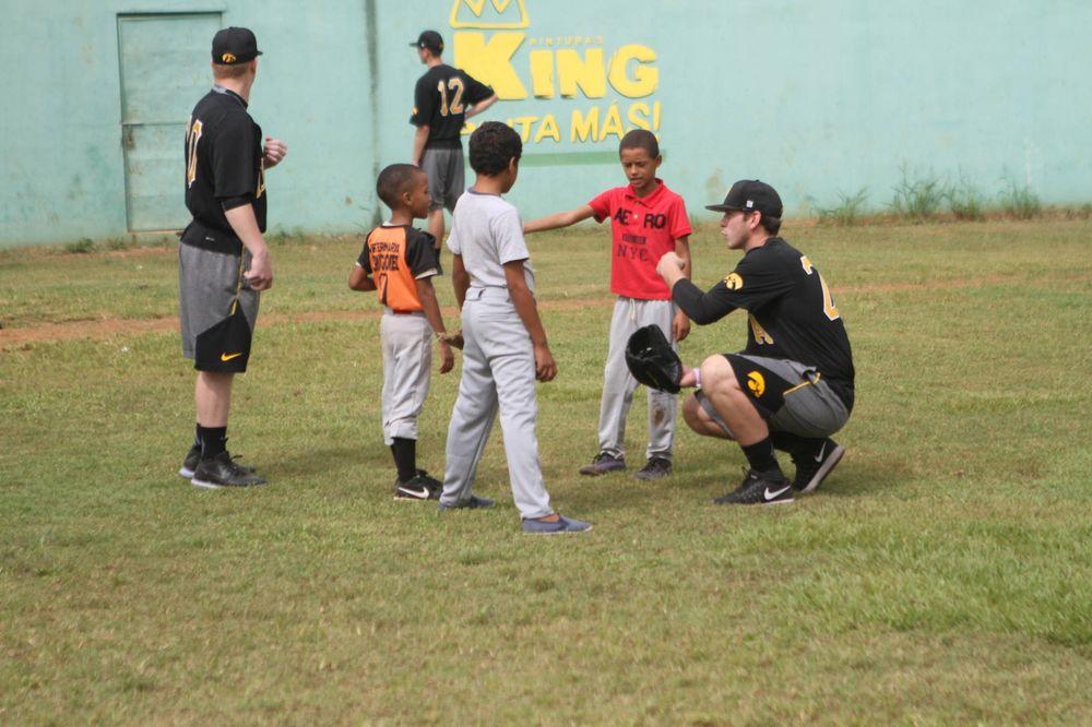 Sam Norman Kid's Clinic Boca Chica, D.R. Photo: James Allan