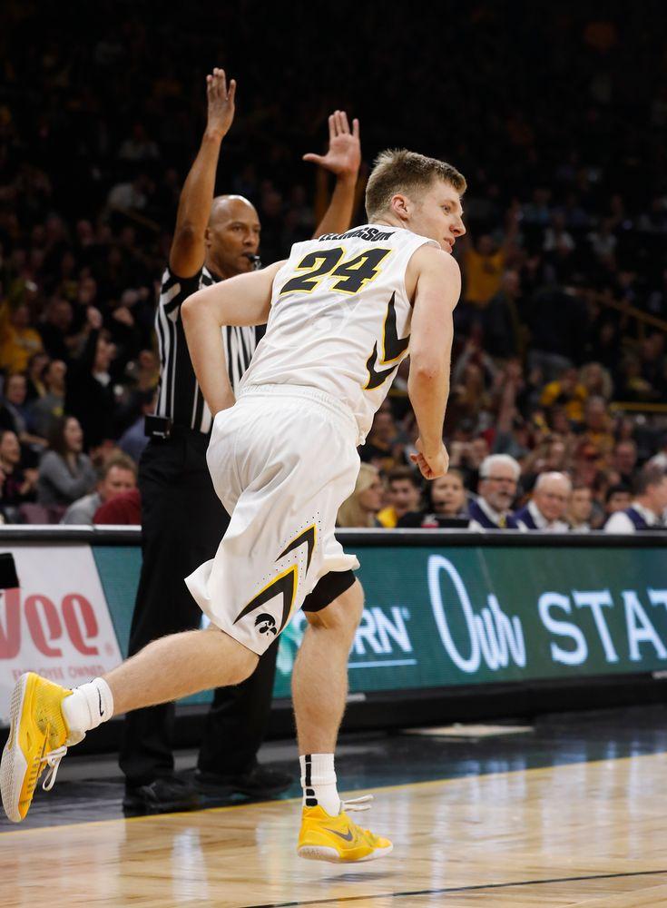 Iowa Hawkeyes guard Brady Ellingson (24)