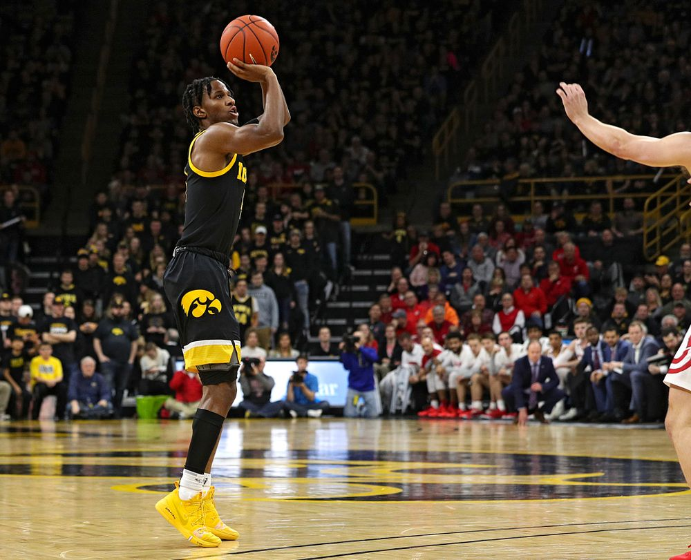 Iowa Hawkeyes guard Bakari Evelyn (4) puts up a shot during the second half of their game at Carver-Hawkeye Arena in Iowa City on Monday, January 27, 2020. (Stephen Mally/hawkeyesports.com)