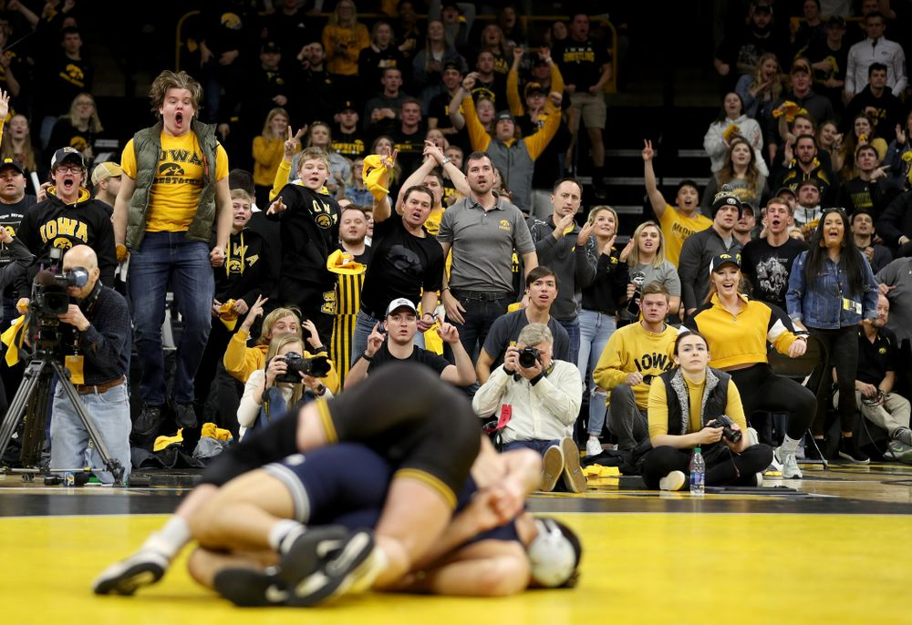 Iowa's Alex Marinelli wrestles Penn State's Vincenzo Joseph at 165 pounds Friday, January 31, 2020 at Carver-Hawkeye Arena. (Brian Ray/hawkeyesports.com)
