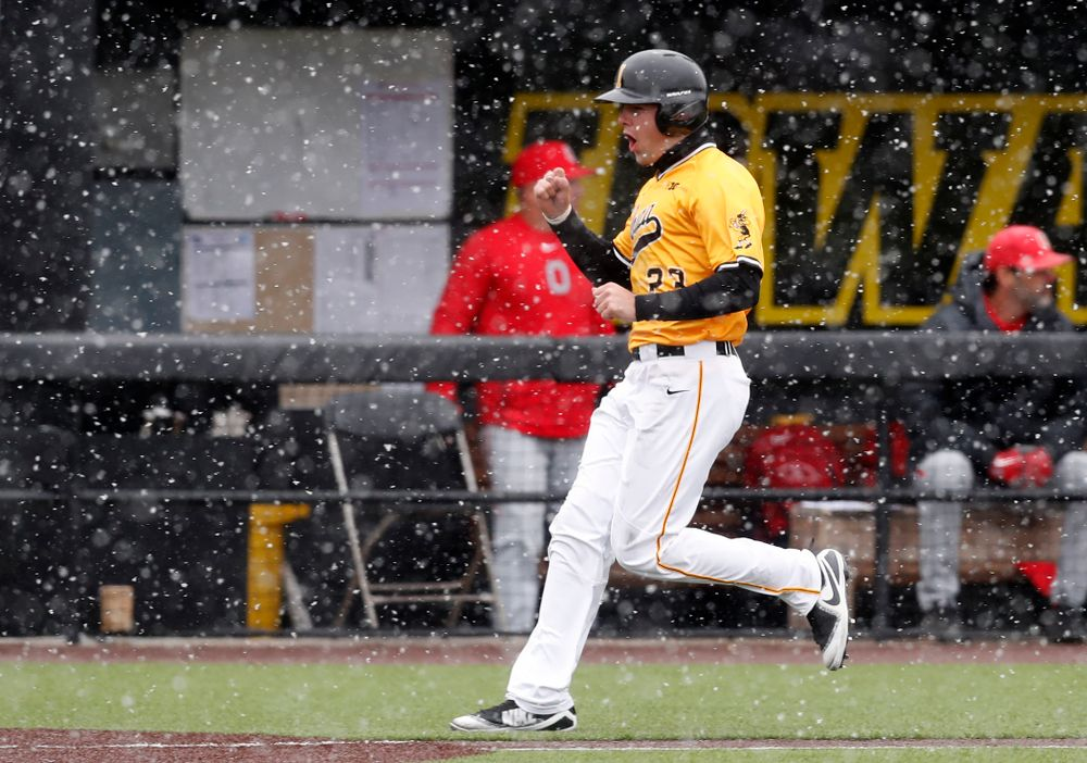 Iowa Hawkeyes infielder Kyle Crowl (23) against the Ohio State Buckeyes Sunday, April 8, 2018 at Duane Banks Field.(Brian Ray/hawkeyesports.com)