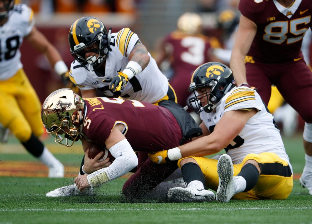 Iowa Hawkeyes defensive end Anthony Nelson (98) against the Minnesota Golden Gophers Saturday, October 6, 2018 at TCF Bank Stadium. (Brian Ray/hawkeyesports.com)