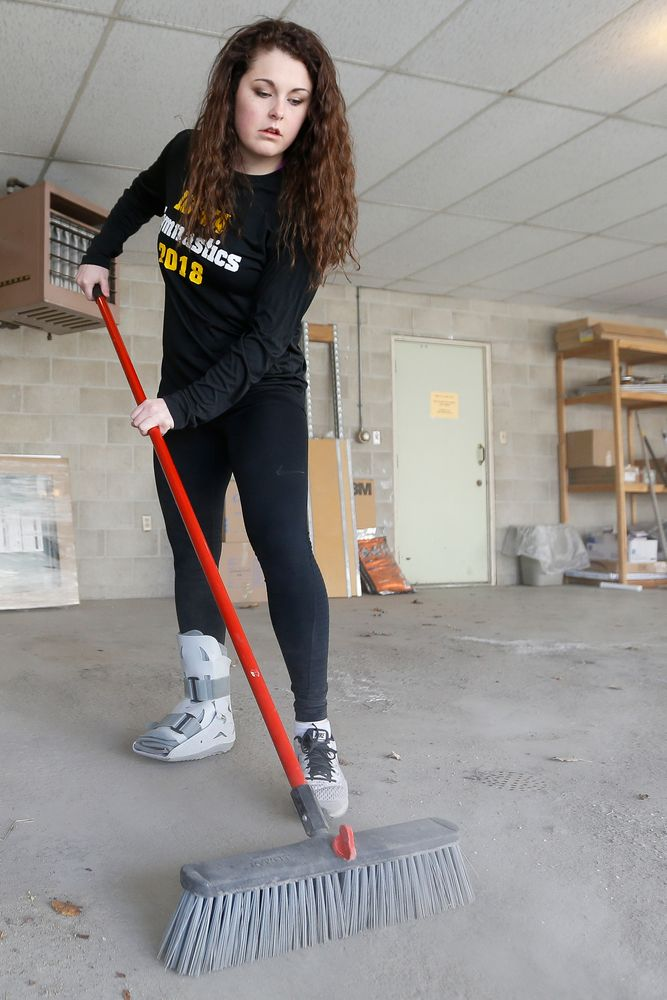 Iowa's women's gymnast Erin Castle