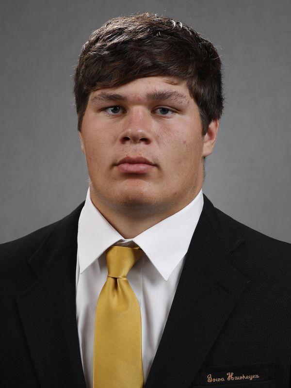 Tyler Linderbaum - Football - University of Iowa Athletics