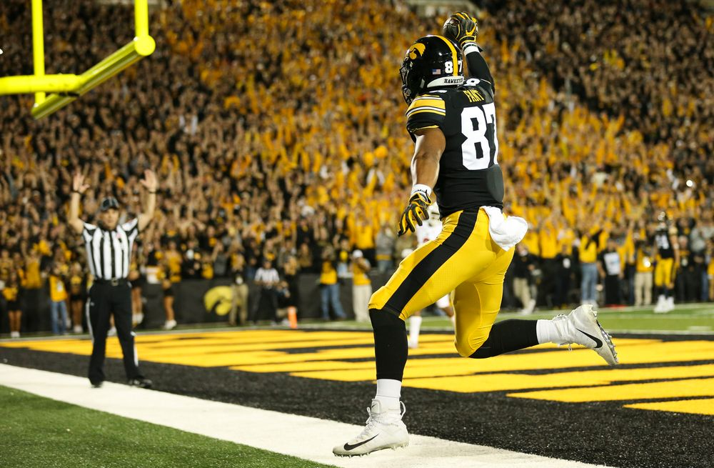 Iowa Hawkeyes tight end Noah Fant (87) reacts after catching a touchdown pass during a game against Wisconsin at Kinnick Stadium on September 22, 2018. (Tork Mason/hawkeyesports.com)