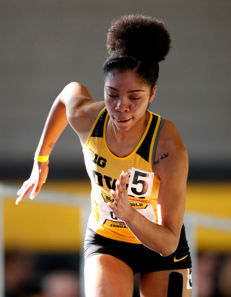 Mika Cox competes in the 400 meters