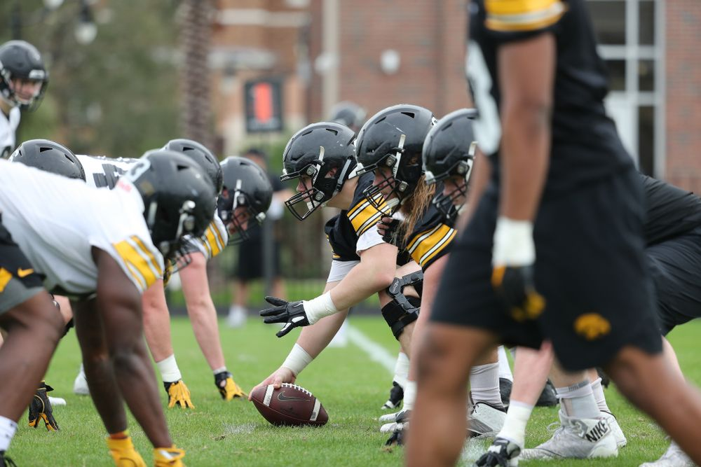 Iowa Hawkeyes offensive lineman Tyler Linderbaum (65) during the team's first Outback Bowl Practice in Florida Thursday, December 27, 2018 at Tampa University. (Brian Ray/hawkeyesports.com)