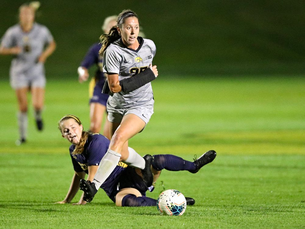 Iowa midfielder Josie Durr (25) moves with the ball during the second half of their match at the Iowa Soccer Complex in Iowa City on Friday, Sep 13, 2019. (Stephen Mally/hawkeyesports.com)