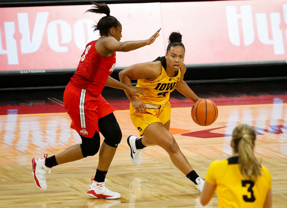 Iowa Hawkeyes guard Alexis Sevillian (5) dribbles the ball during a game against the Ohio State Buckeyes at Carver-Hawkeye Arena on January 25, 2018. (Tork Mason/hawkeyesports.com)