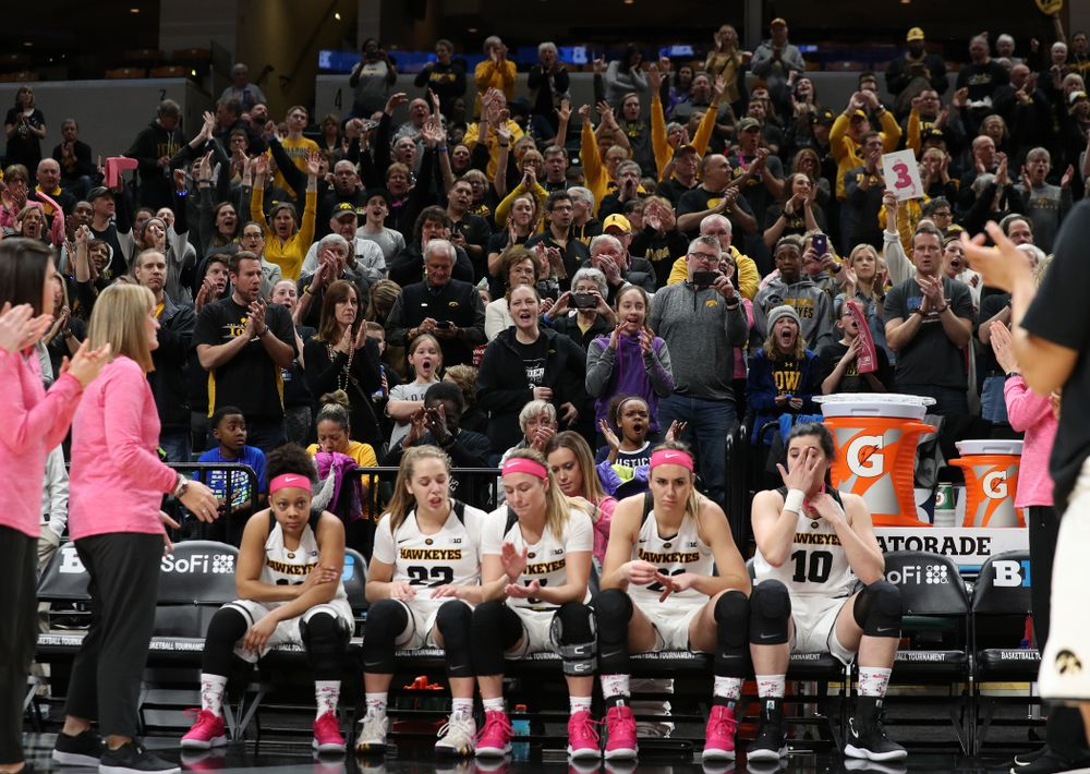 Fans cheer on the Iowa Hawkeyes against the Rutgers Scarlet Knights in the semi-finals of the Big Ten Tournament Saturday, March 9, 2019 at Bankers Life Fieldhouse in Indianapolis, Ind. (Brian Ray/hawkeyesports.com)