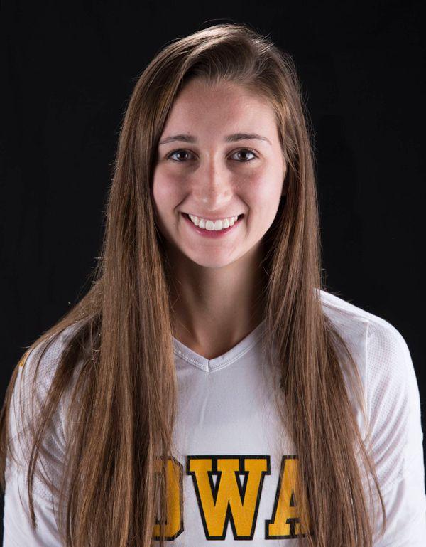 Erin Leppek - Volleyball - University of Iowa Athletics