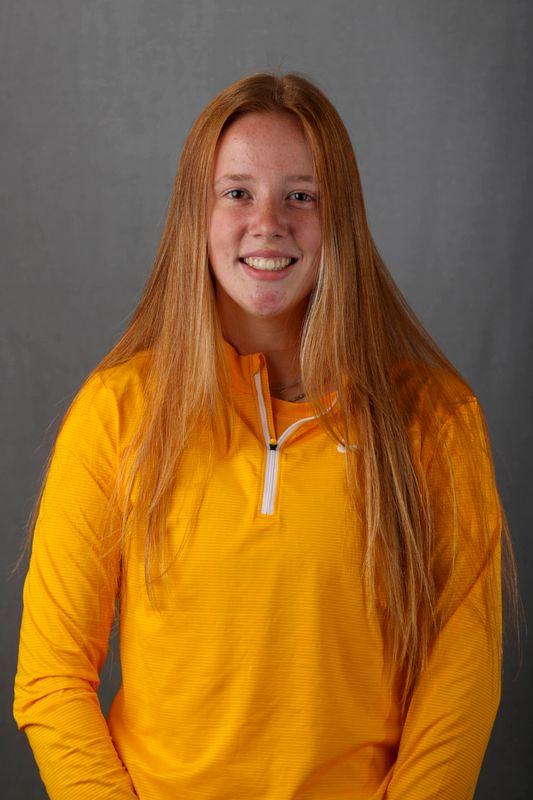 Cara Burns - Women's Rowing - University of Iowa Athletics