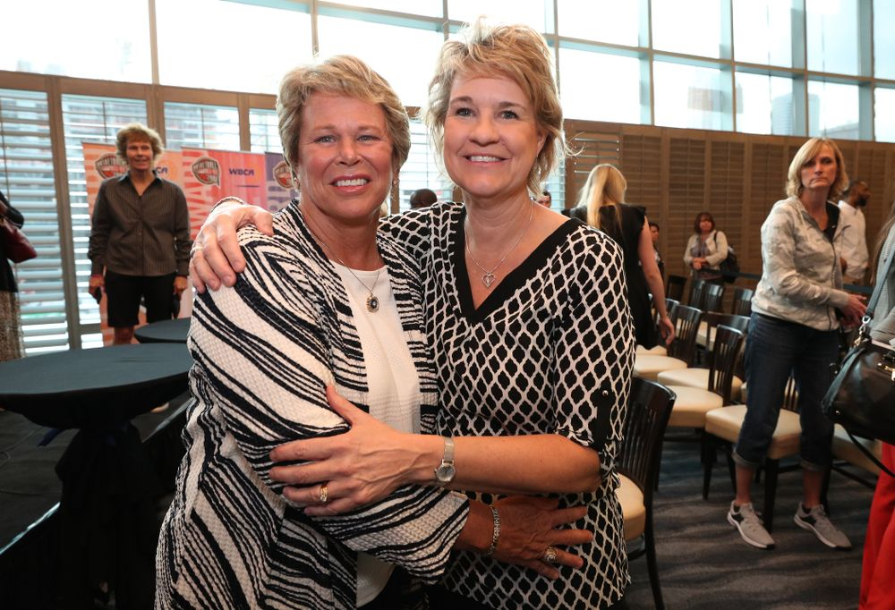 Iowa Hawkeyes head coach Lisa Bluder and  Ann Meyers Drysdale during a news conference Thursday, April 4, 2019 at Amalie Arena in Tampa, FL. (Brian Ray/hawkeyesports.com)