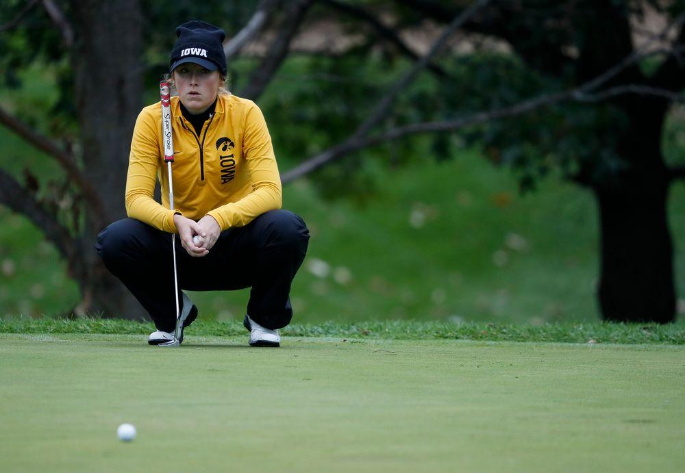 Iowa's Kristin Glesne watch another player's putt during the Diane Thomason Invitational at Finkbine Golf Course on September 29, 2018. (Tork Mason/hawkeyesports.com)