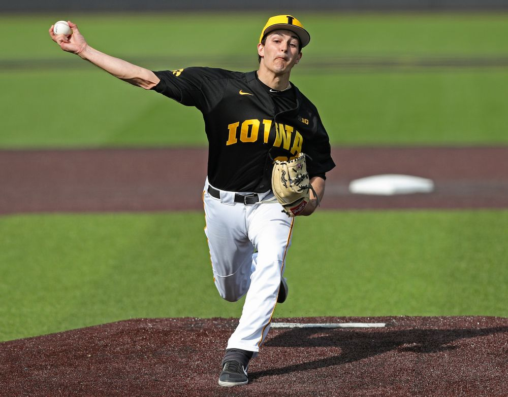 Iowa Hawkeyes pitcher Jason Foster (27) delivers to the plate during the seventh inning of their game against Rutgers at Duane Banks Field in Iowa City on Saturday, Apr. 6, 2019. (Stephen Mally/hawkeyesports.com)