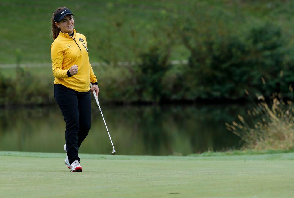 Iowa's Manuela Lizarazu reacts after sinking a birdie putt on the 13th hole during the Diane Thomason Invitational at Finkbine Golf Course on September 29, 2018. (Tork Mason/hawkeyesports.com)