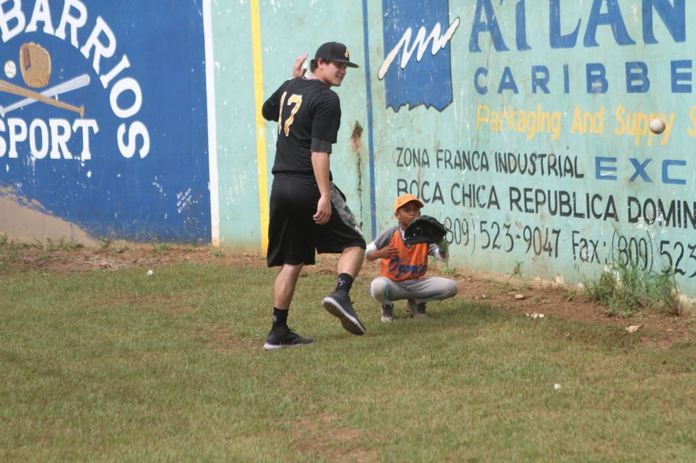 Josh Martsching Kid's Clinic Boca Chica, D.R. Photo: James Allan