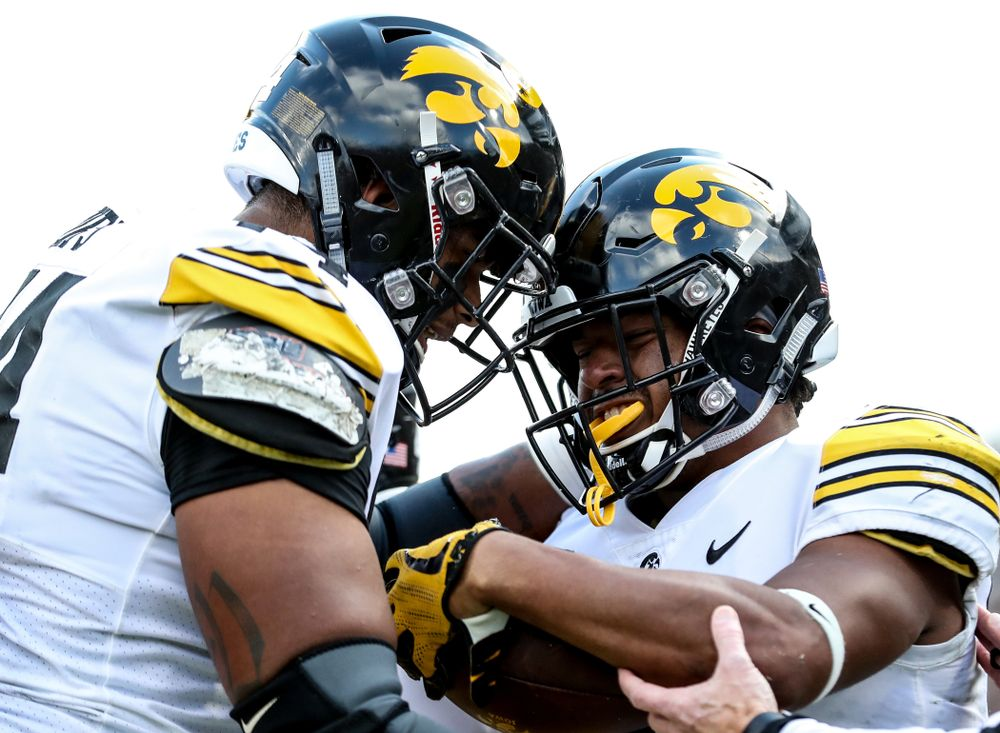 Iowa Hawkeyes running back Ivory Kelly-Martin (21) scores a touchdown against the Purdue Boilermakers Saturday, November 3, 2018 Ross Ade Stadium in West Lafayette, Ind. (Max Allen/hawkeyesports.com)