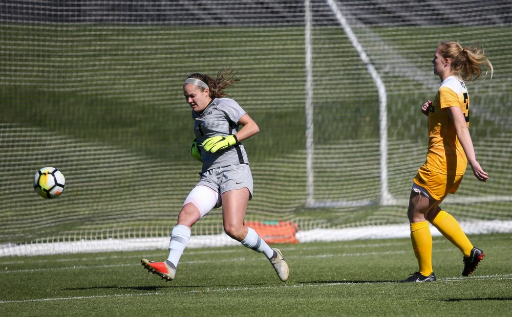 Iowa Hawkeyes goalkeeper Claire Graves (1) passes the ball during a game against Northwestern at the Iowa Soccer Complex on October 21, 2018. (Tork Mason/hawkeyesports.com)