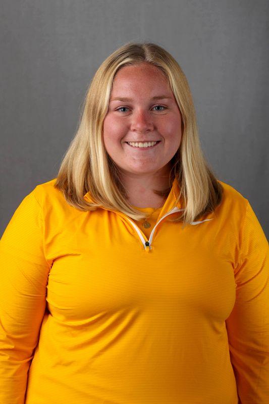 Mandi Warren - Women's Rowing - University of Iowa Athletics