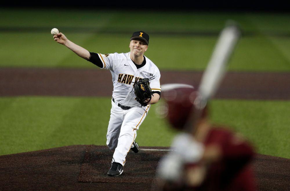 Iowa Hawkeyes pitcher Derek Lieurance (10) against Coe College Wednesday, April 11, 2018 at Duane Banks Field. (Brian Ray/hawkeyesports.com)