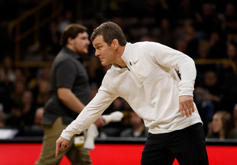 Iowa's Spencer Lee tech falls Michigan's Drew Mattin