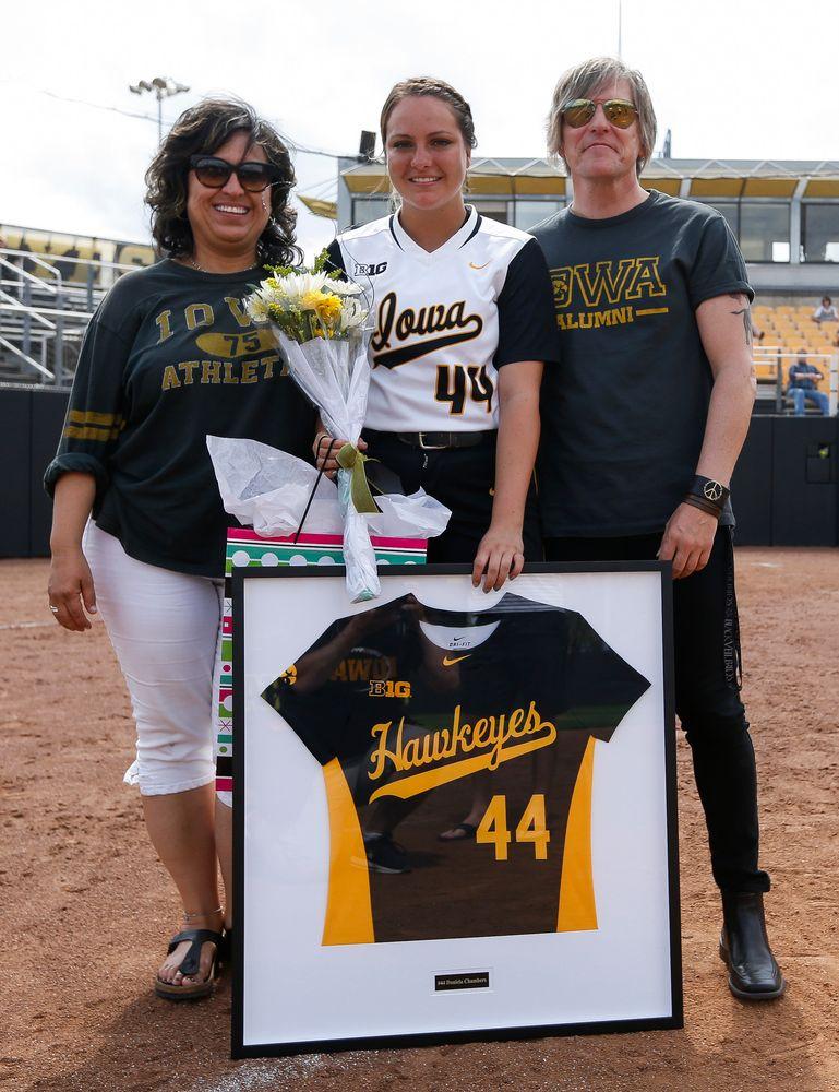 Iowa Hawkeyes catcher Daniela Chambers (44)