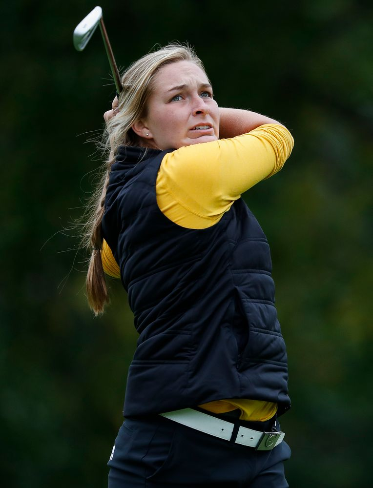 Iowa's Stephanie Herzog tees off during the Diane Thomason Invitational at Finkbine Golf Course on September 29, 2018. (Tork Mason/hawkeyesports.com)