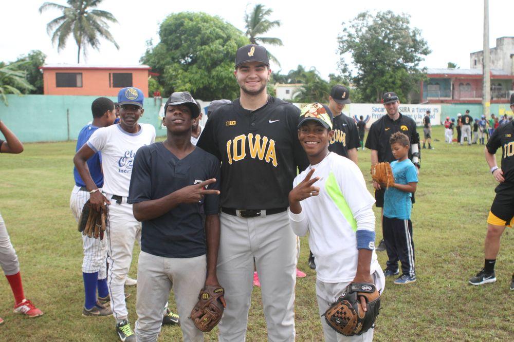 Sammy Lizarraga Kid's Clinic Boca Chica, D.R. Photo: James Allan
