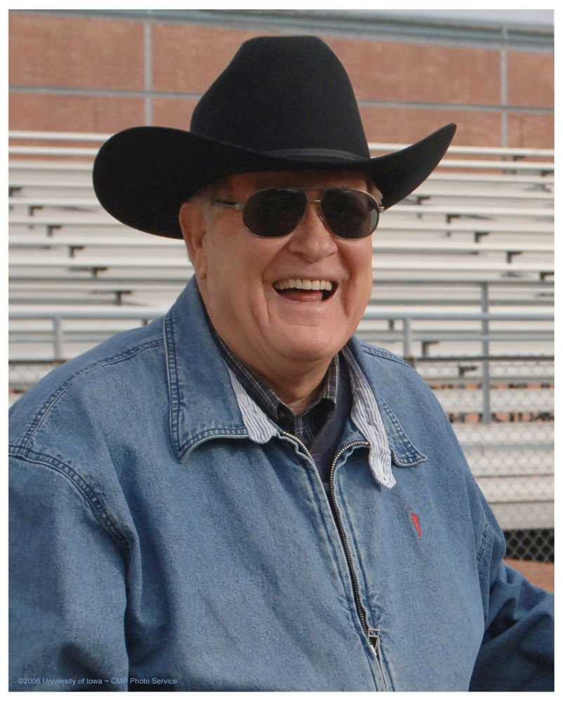 Historic Photos of Hayden Fry from 2006