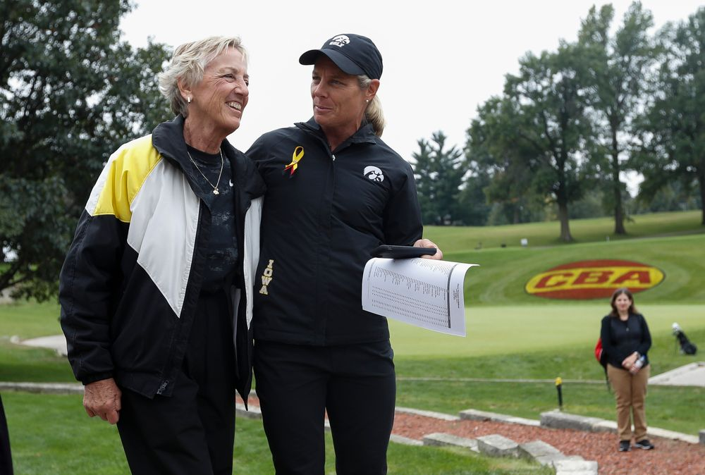 Iowa women's golf head coach Megan Menzel thanks former head coach Diane Thomason during a post-round awards ceremony after the final round of the Diane Thomason Invitational at Finkbine Golf Course on September 30, 2018. (Tork Mason/hawkeyesports.com)